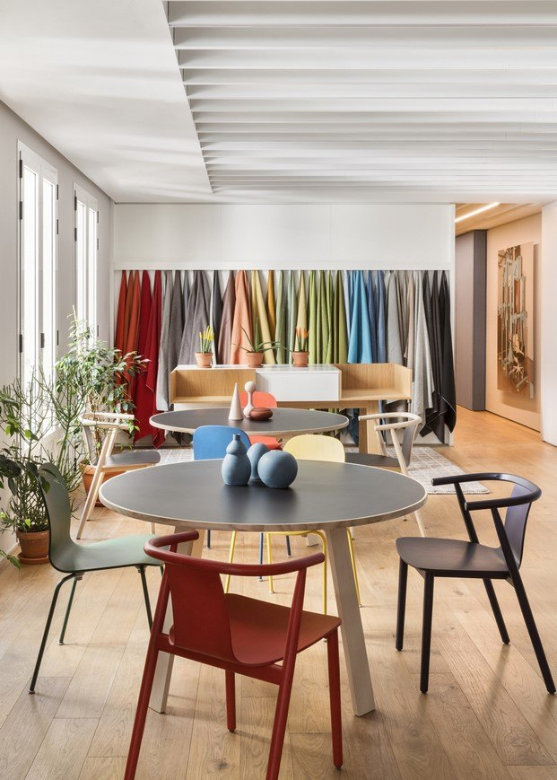 zona acabados y colores showroom haworth madrid diariodesign