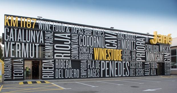 Fachada con letras Jané Winestore