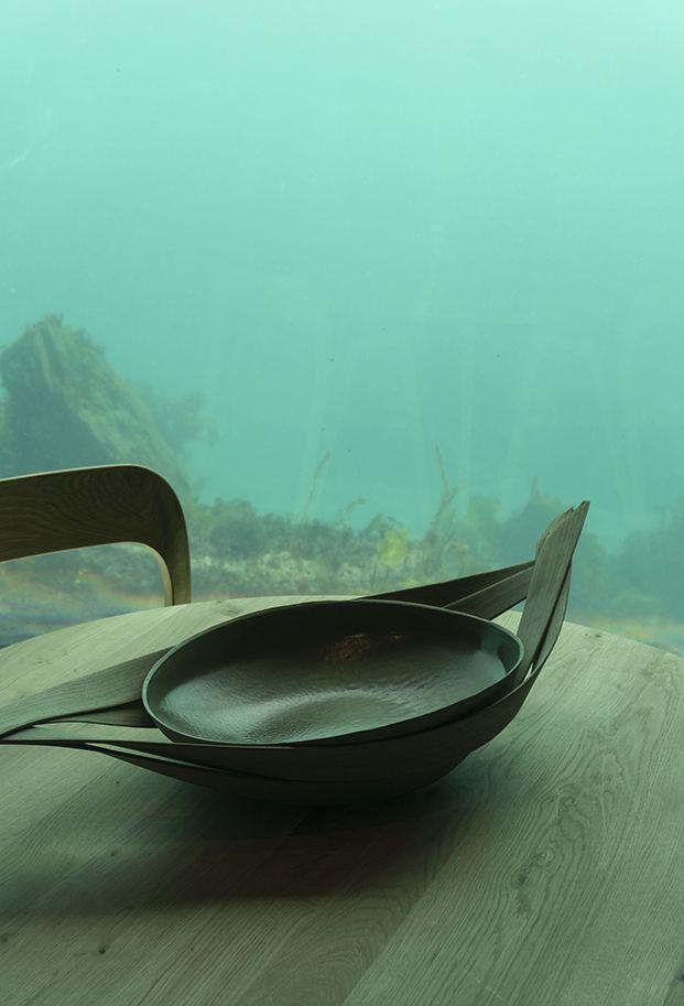 vajilla del restaurante under diseñada por ment diariodesign