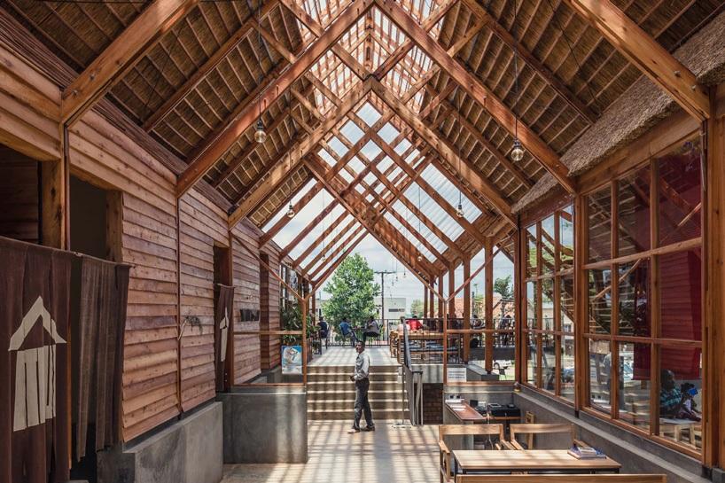 Yamasen Uganda Ecalipto Materiales Naturales Terrain Architects