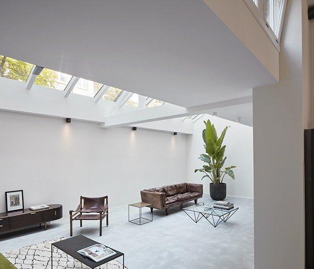 Sala de estar con lucernario, apartamento 1. Proyecto Home Sint Willibrordusstraat.