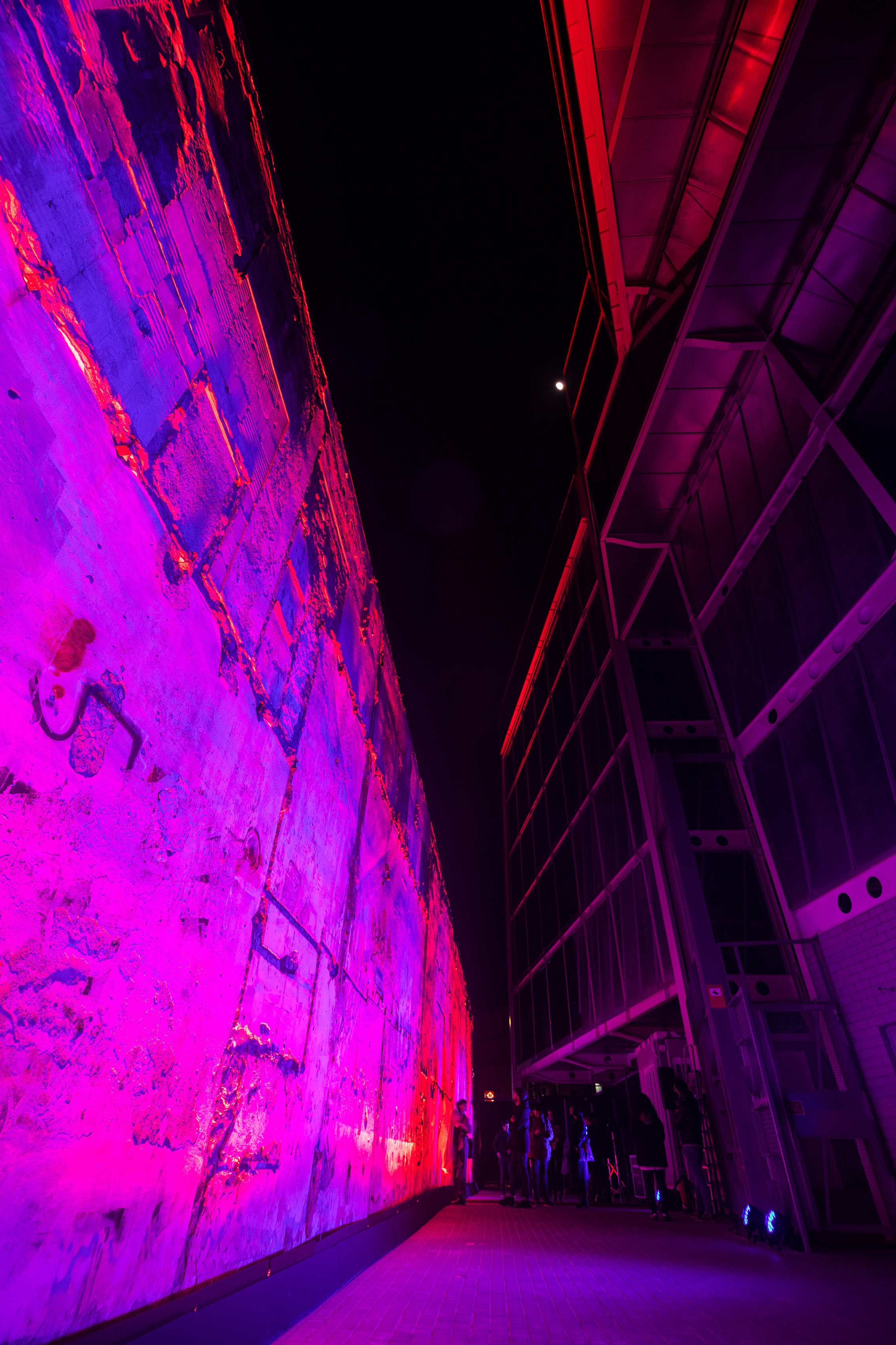 Entremurs Instalación luz Poblenou IED Llum BCN 2019