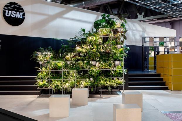 Stand de USM en Milan 2019. Muebles con plantas
