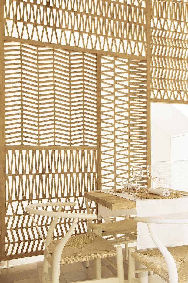Celosia de madera restaurante Pinzell diariodesign.