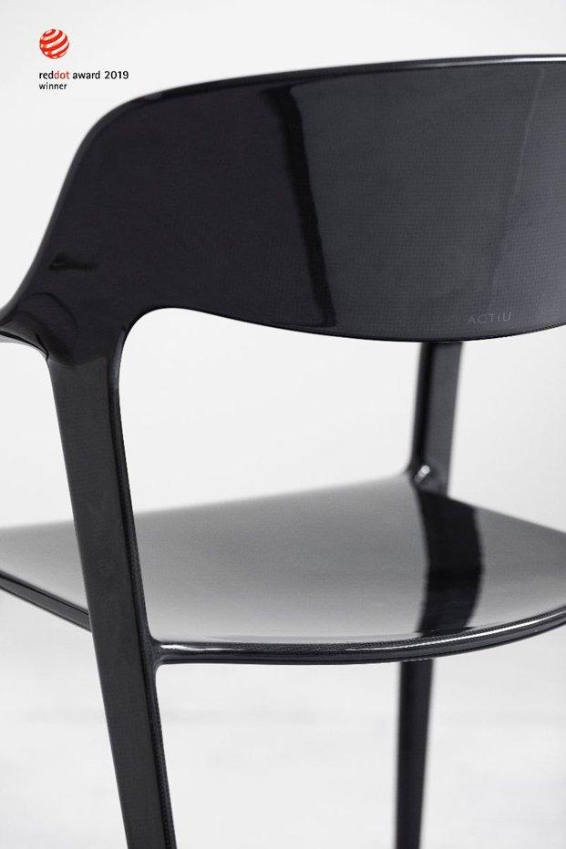 Detalle de la silla Karbon diseñada por el equipo Item Designworks