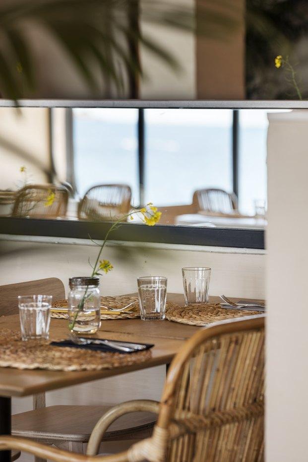 Restaurante Tragamar en Calella de Palafrugell. Interiorismo de Tarruella Trenchs Studio