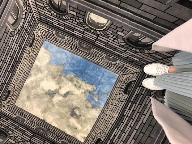 alfombra sottosopra illulian fabio novembre en el salone del mobile milán diariodesign