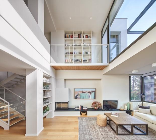 casa en sant cugat del valles f2m arquitectura diariodesign interior doble altura