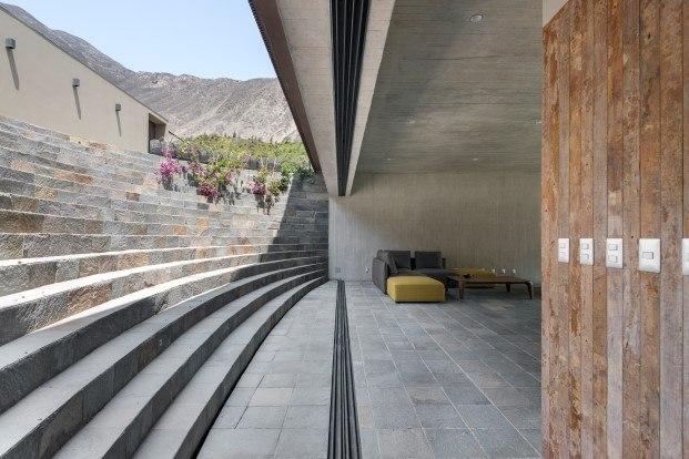 casa en peru con anfiteatro de martin dulanto diariodesign
