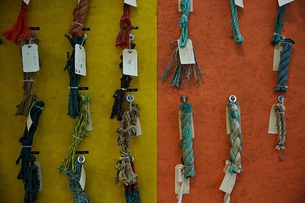 muestras de plástico proveniente de redes de pesca diariodesign