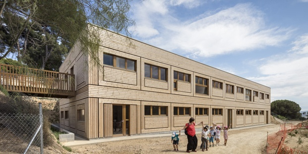 edificio escuela waldorf el til·ler diariodesign