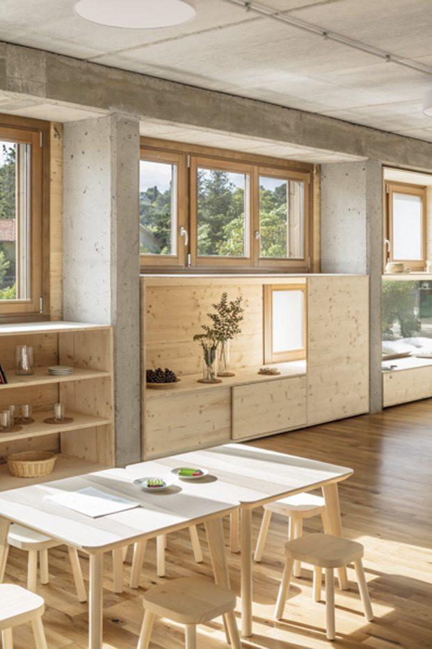 mobiliario infantil de madera escuela el til·ler waldorf steiner diariodesign