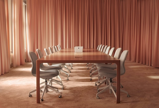 Ikea Creative Hub Malmo. Sala de reuniones rosa salmón