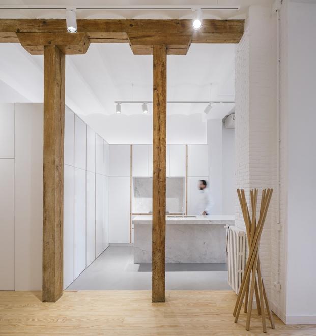 pilares de madera cocina loft en madrid