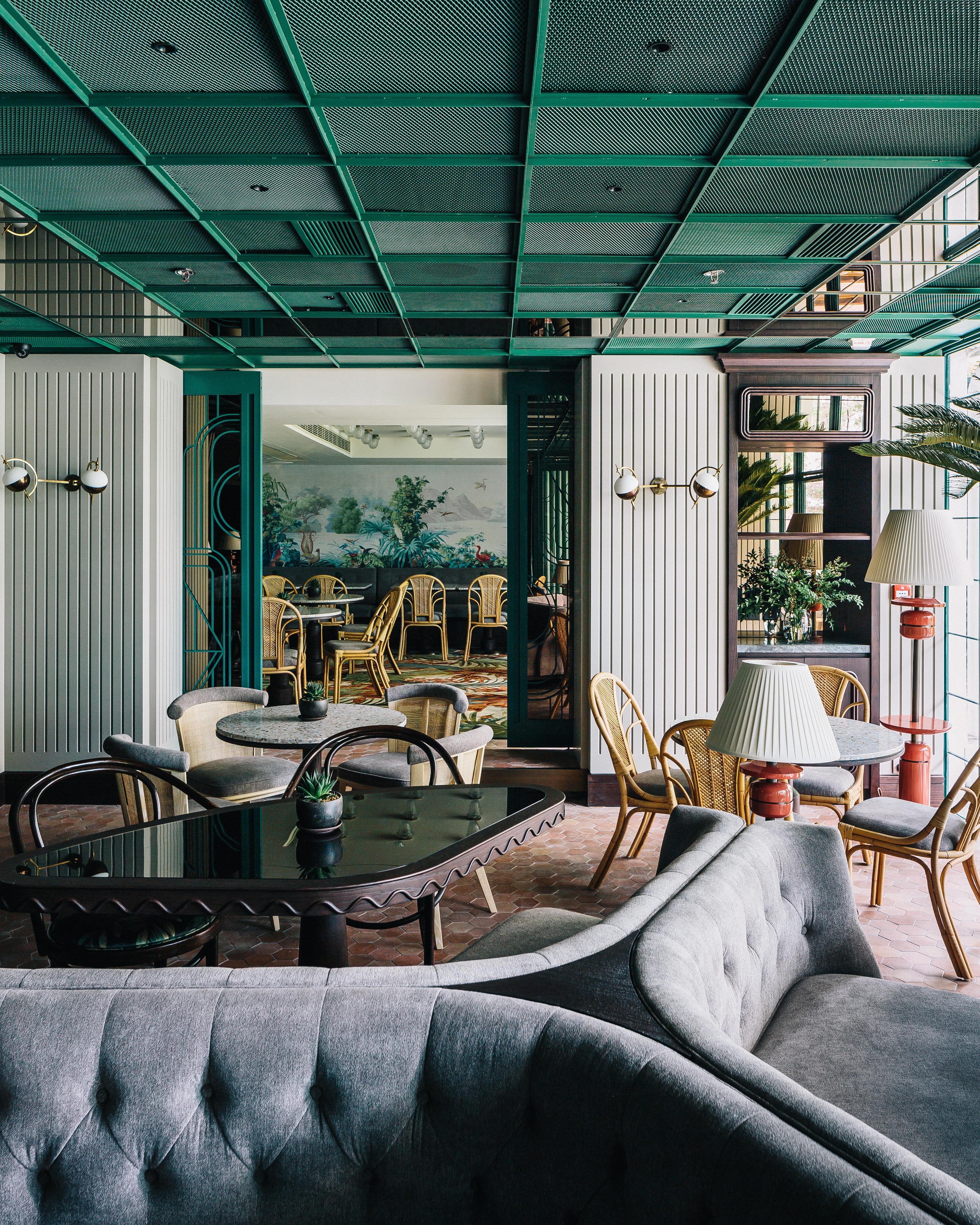 El chef Julien Royer inaugura Louise en Hong Kong. Un restaurante diseñado por el interiorista francés André Fu en colaboración con JIA Group.