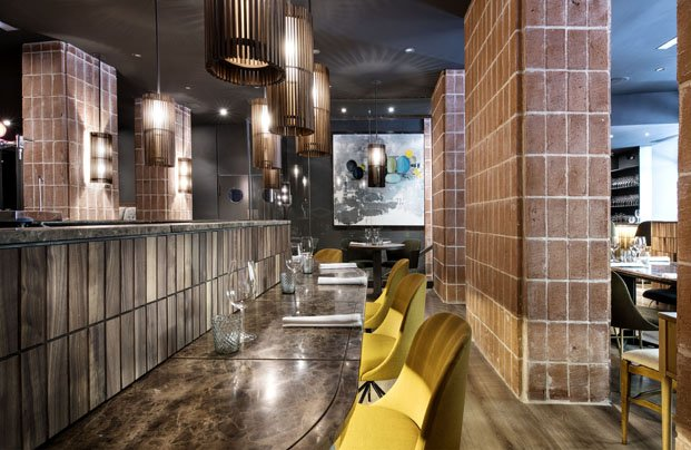 mobiliario geométrico restaurante la cabra madrid diariodesign