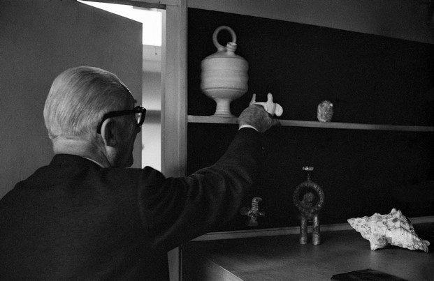coleccionismo de le corbusier exposición mon univers diariodesign