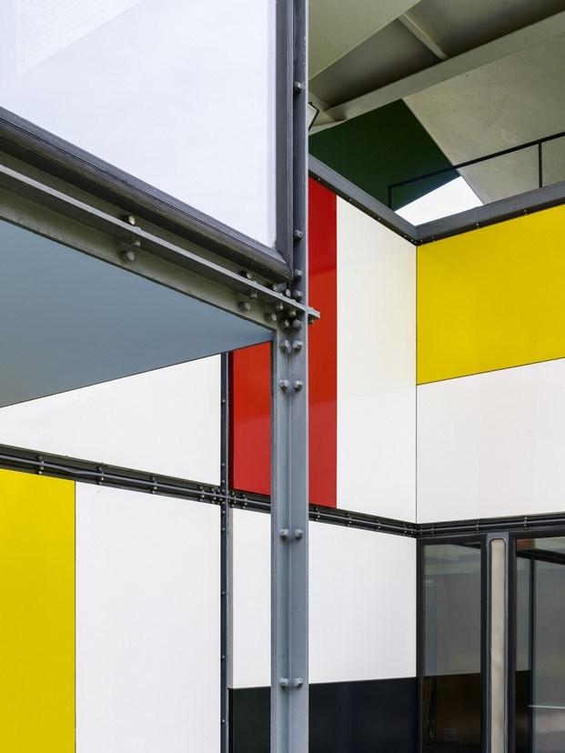 paneles de colores en pavillon le corbusier diariodesign