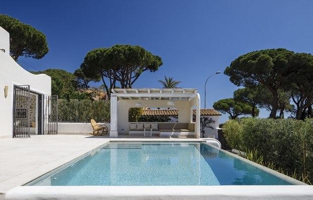 piscina terraza costa brava diariodesign