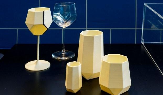 copas y vasos amarillos roca gallery barcelona