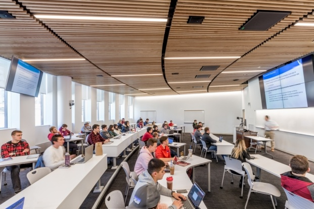 big isom umass isenberg business innovation hub Max Touhey diariodesign aulas