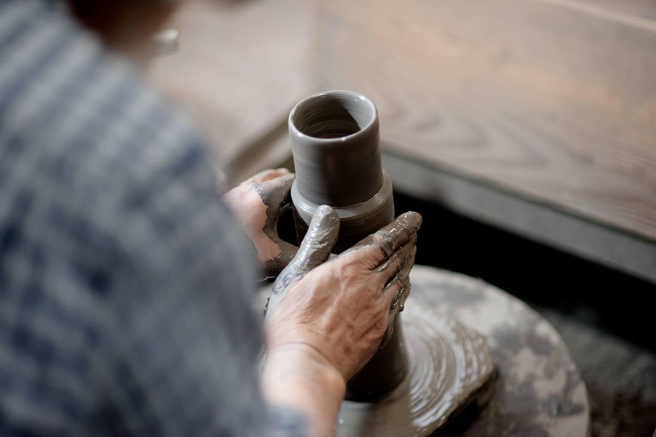 Shizuka Tatsuno. Técnica tradicional japonesa Bizen-yaki. jarra Hiiro.
