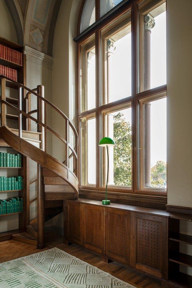 lámpara curve zero escalera biblioteca nationalmuseum estocolmo diariodesign