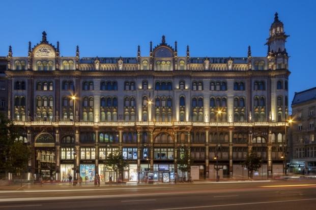 paris court budapest kroki archikon tamas bujnovsky diariodesign budapest