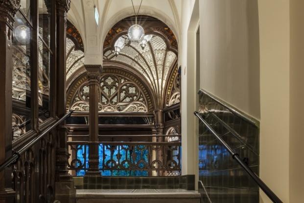 paris court budapest kroki archikon tamas bujnovsky diariodesign escalera