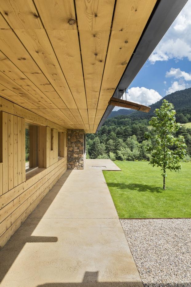 porche casa en el Pirineo madera