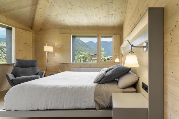 Casa en La Cerdanya. Suite principal de madera