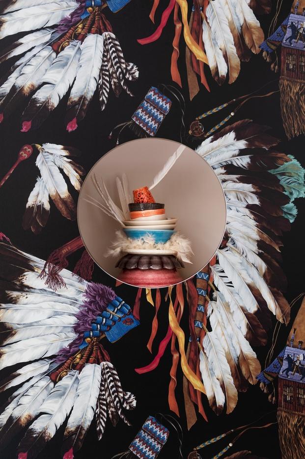 Exposición de cerámica y papel pintado. Plumas. Mateus, Pierre Frey y Costas Voyatzis
