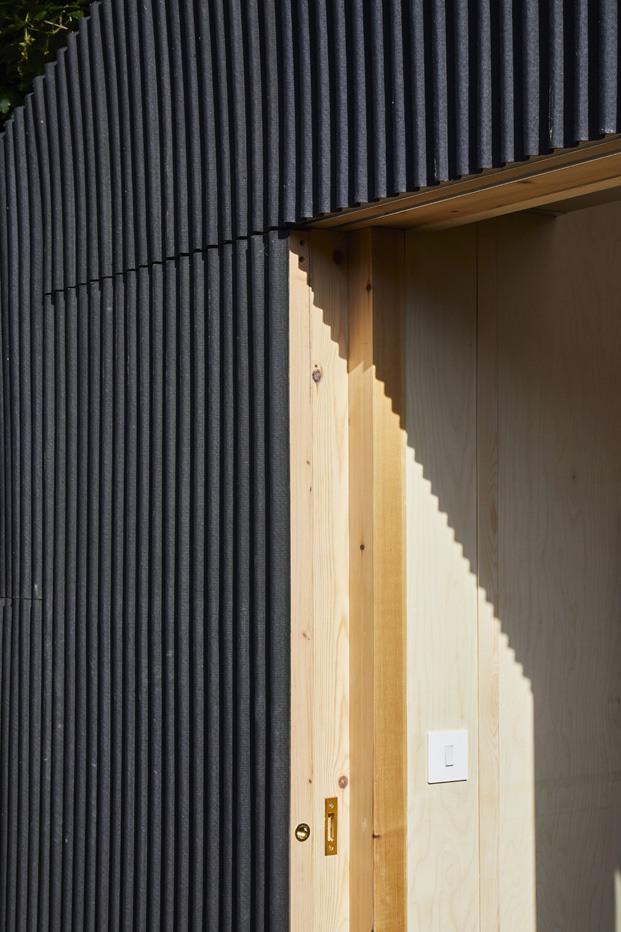 puerta corredera de madera cobertizo