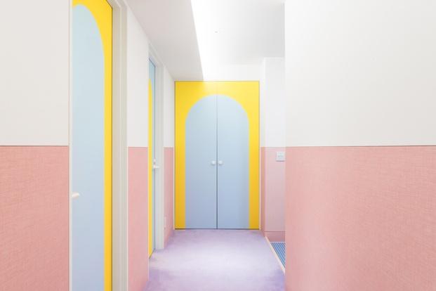 Apartamento colores pastel Adam Nathaniel Furman proyecto Nagatacho Tokio