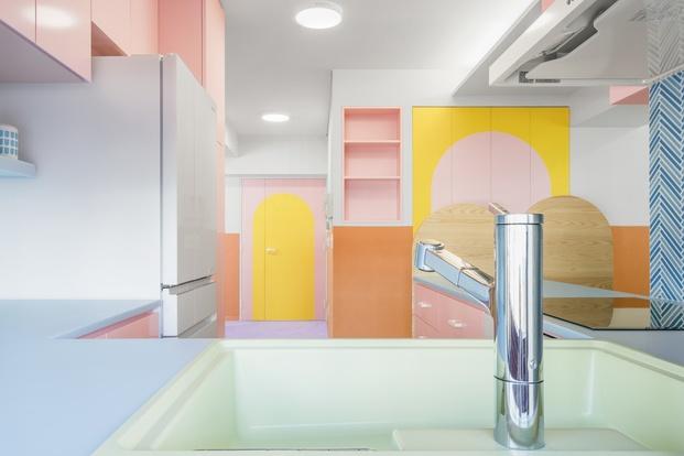 Cocina colores pastel Adam Nathaniel Furman proyecto Nagatacho Tokio