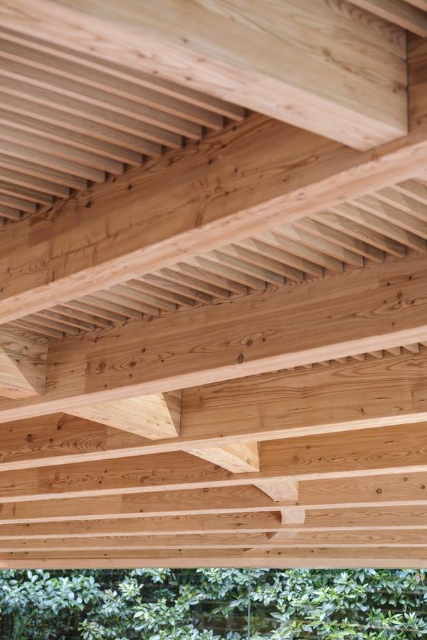 geometría vigas de madera restaurante martín berasategui