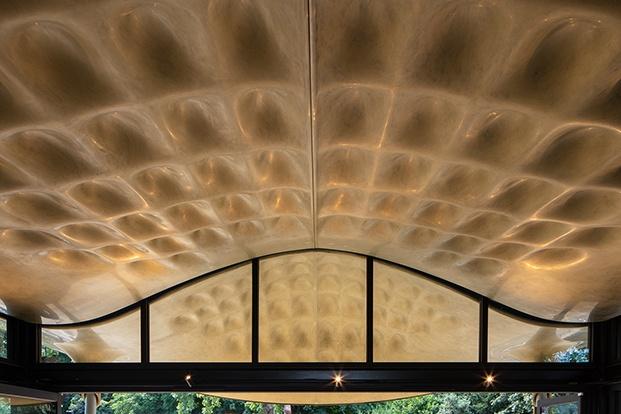 The Serpentine House Coffee diseñado por Mizzi Studio en Hyde Park