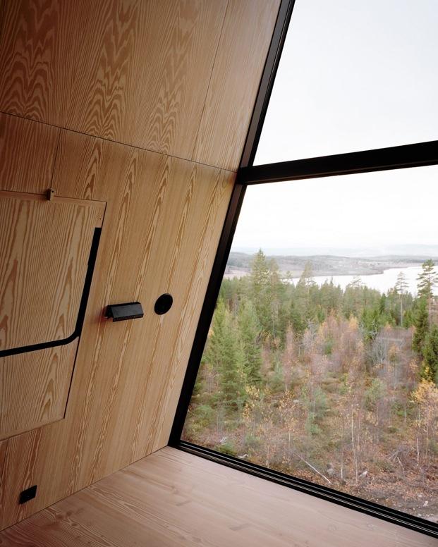 interior en madera cabaña en noruega