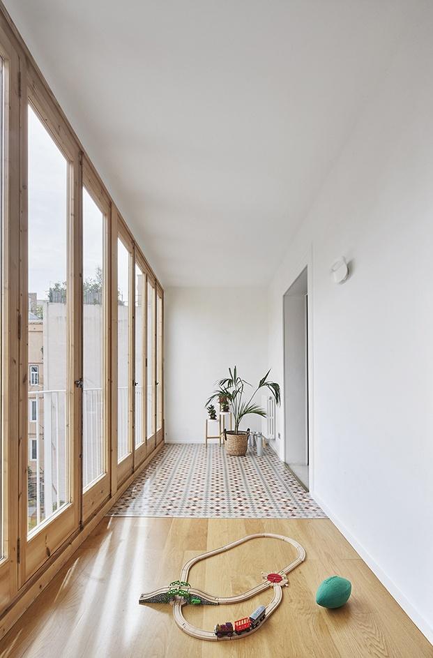 TwoBo reforma un antiguo piso del ensanche barcelonés combinando modernidad y tradición