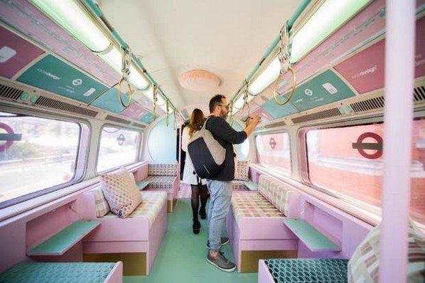 vagón de metro tapizado por kirby design en london design festival 2019