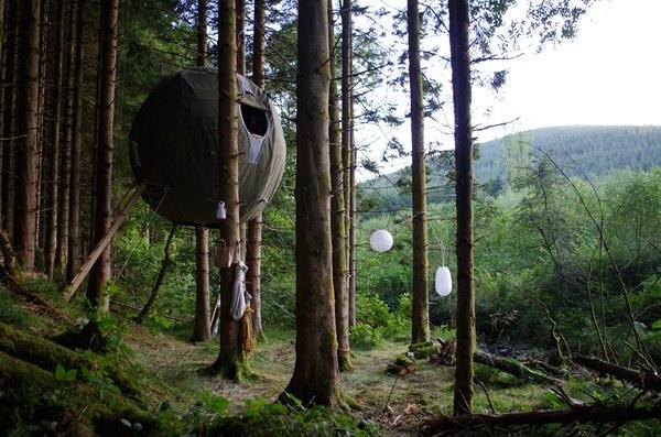 Tree Tents. Luminair. Tiendas de campaña redondas para colgar en los árboles