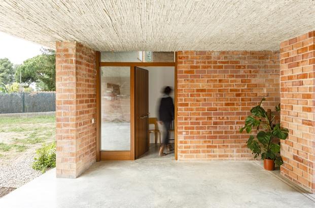 Jesús Perales. Proyecto Casa Almudena en Tarragona. Entrada vivienda