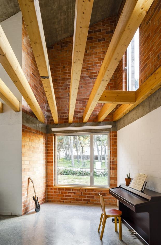 Jesús Perales. Proyecto Casa Almudena en Tarragona. Vigas de madera