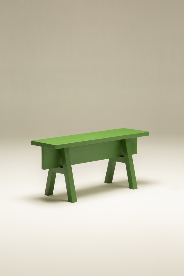 Muebles verdes. Design for Posidonia. Here We Are Collective. AOO. Banco ATA de madera
