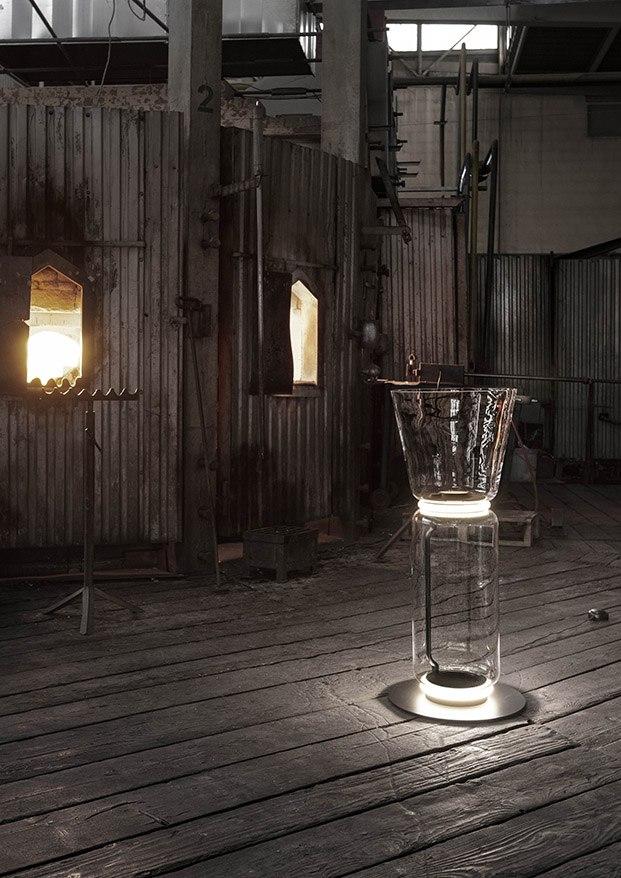 lámpara de pie noctambule de konstantin grcic para flos