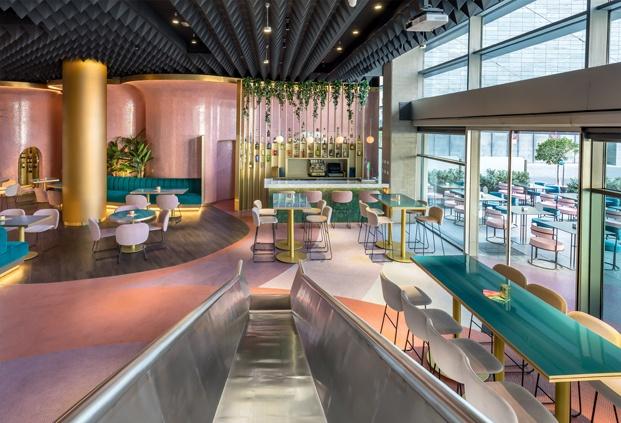 lamas doradas barra de bar hotel barceló málaga