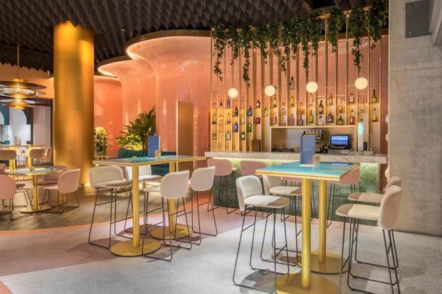 barra de bar hotel en málaga