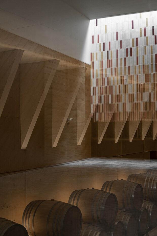 Bodega Ribas Consell Mallorca Moneo. Cerámica tradicional pared