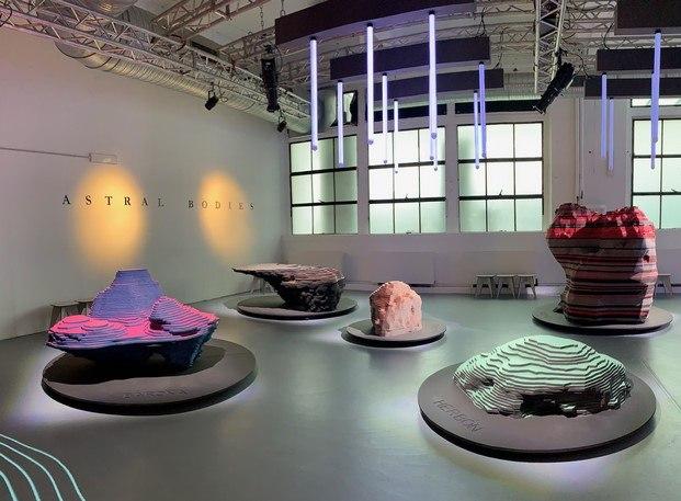 astral bodies de enorme studio