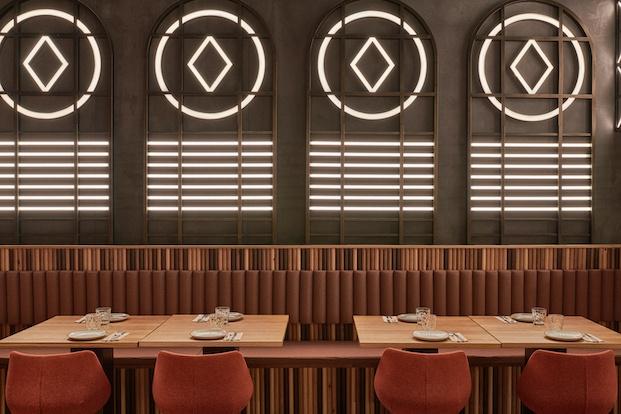Vidrieras led restaurante en valencia masquespacio